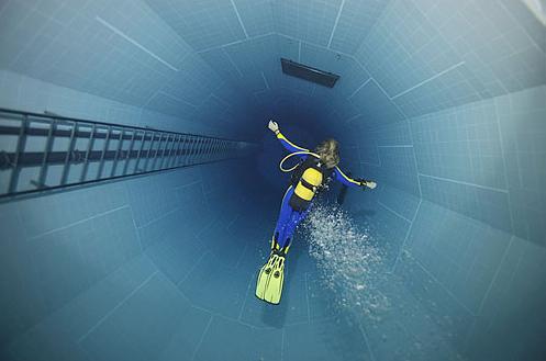 35公尺深潛水池俯瞰