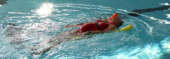 Séance d'aquagym prénatale comme à NEMO33 Bruxelles